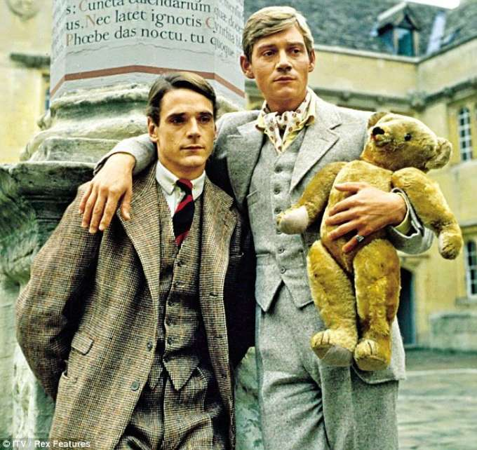 34 A4276900000578 3611038 Irons With Anthony Andrews In Brideshead Revisited 1981 I Just D A 15 1464377319532